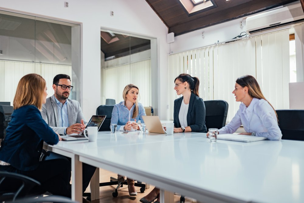 The Pros and Cons of Outsourcing your Office Management Duties