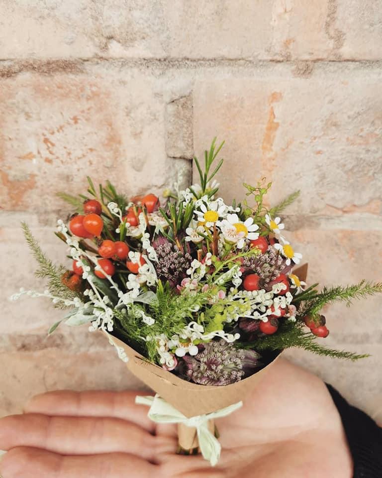Facebook - Dutch Flower Shop